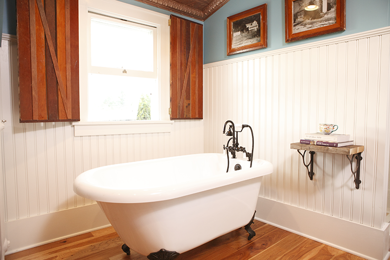 Beadboard in a bathroom DIY bath Crashers Farmhouse Redo